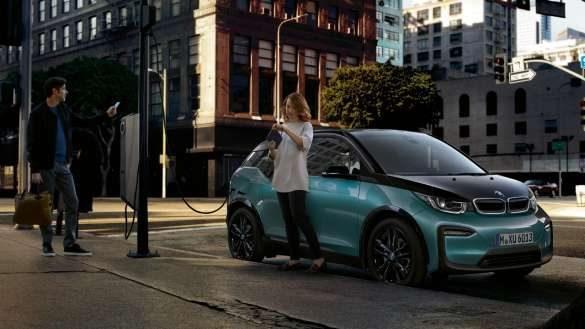 BMW i3 I01 unterwegs aufladen